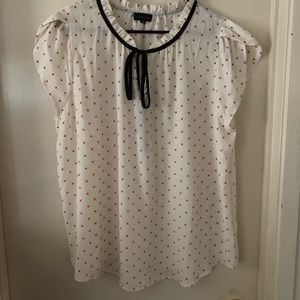 Woven short sleeve bow tie blouse